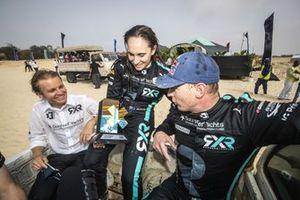 Nico Rosberg, fondatore e CEO, Rosberg X Racing e Molly Taylor, Johan Kristoffersson, con il trofeo