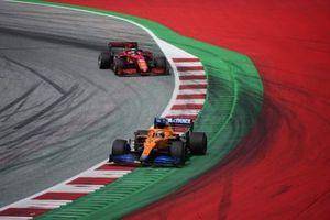 Daniel Ricciardo, McLaren MCL35M,Charles Leclerc, Ferrari SF21