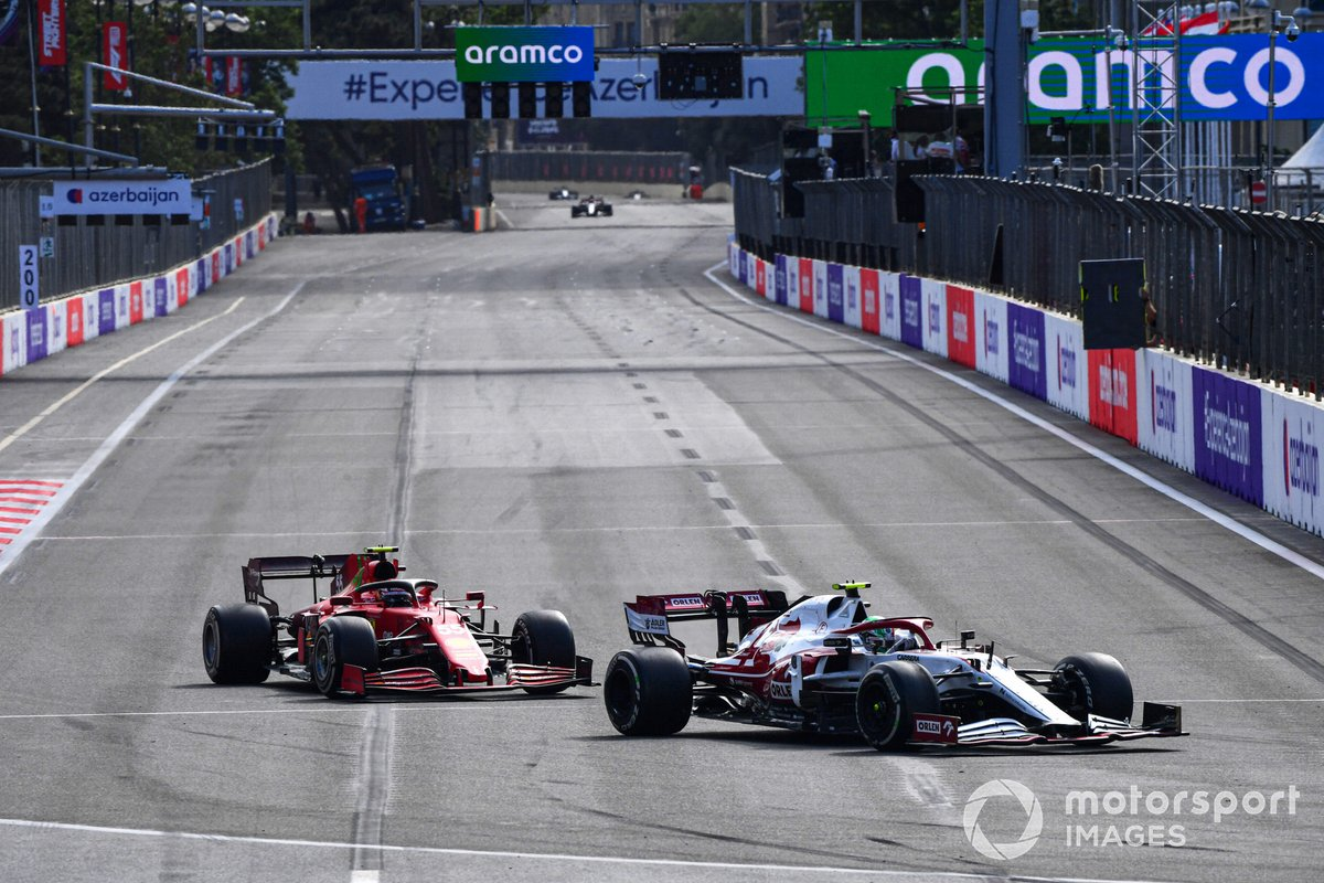 Antonio Giovinazzi, Alfa Romeo Racing C41, Carlos Sainz Jr., Ferrari SF21