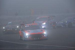 #830 Hyundai Motorsport N TCR Hyundai Elantra N: Marc Basseng, Manuel Lauck, Moritz Oestreich,