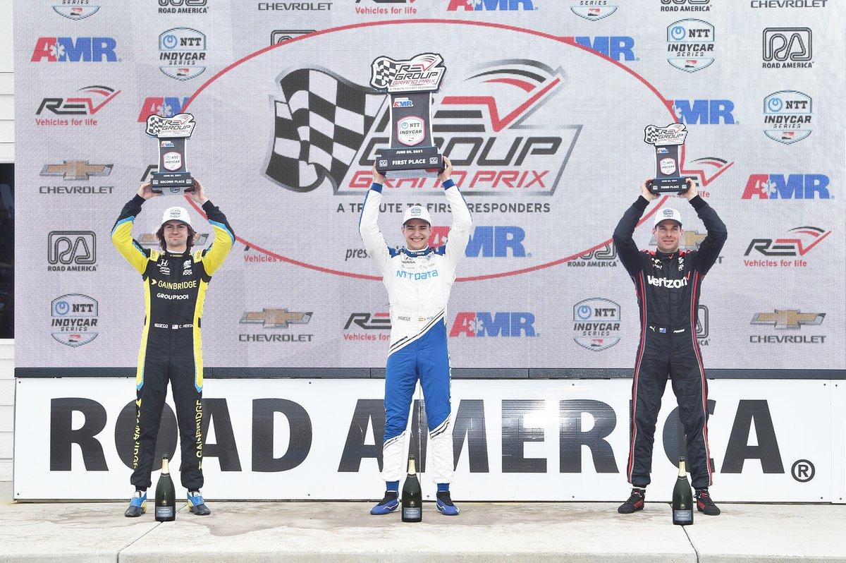 Colton Herta, Andretti Autosport Honda, Ganador de la carrera Alex Palou, Chip Ganassi Racing Honda, Will Power, Team Penske Chevrolet