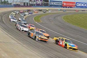 Noah Gragson, JR Motorsports, Chevrolet Camaro Bass Pros Shops/TrueTimber/BRCC, Kyle Busch, Joe Gibbs Racing, Toyota Supra M&M's