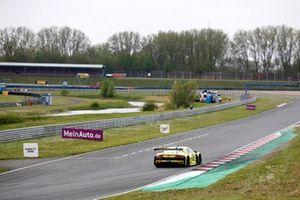 #28 Montaplast by Land-Motorsport Audi R8 LMS: Luca-Sandro Trefz, Christopher Haase und Penalty Zone