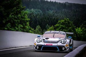 #47 KCMG Porsche 911 GT3-R