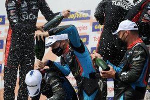 Podium: Winner #26 G-Drive Racing Aurus 01 - Gibson: Roman Rusinov, Franco Colapinto, Nyck De Vries