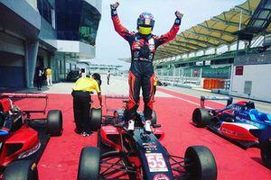Daniel Cao, juara umum Formula Renault Asia 2018
