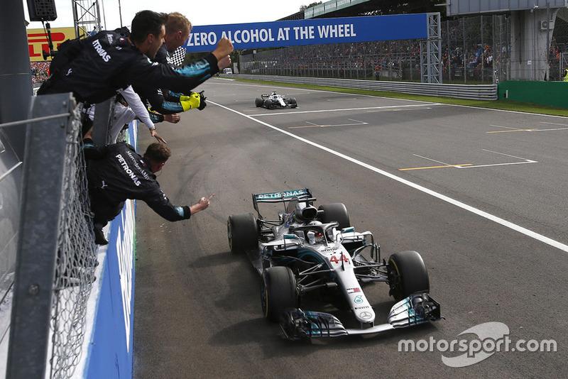 Race winner Lewis Hamilton, Mercedes AMG F1 W09