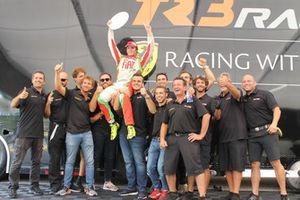 Benjamin Hites, Ferrari of Miami, festeggia con il team TR3 Racing