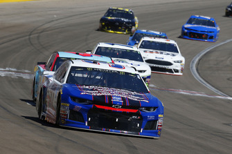 Chris Buescher, JTG Daugherty Racing, Chevrolet Camaro Natural Light Race Day Resume e Darrell Wallace Jr., Richard Petty Motorsports, Chevrolet Camaro World Wide Technology