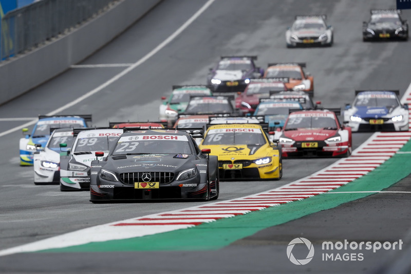 Daniel Juncadella, Mercedes-AMG Team HWA, Mercedes-AMG C63 DTM leads at the start of the race