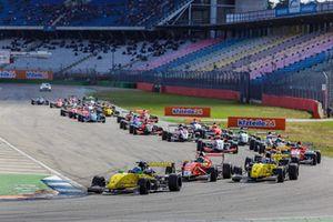 Max Fewtrell, R-Ace GP, Yifei Ye, Josef Kaufmann Racing, Victor Martins, R-Ace GP