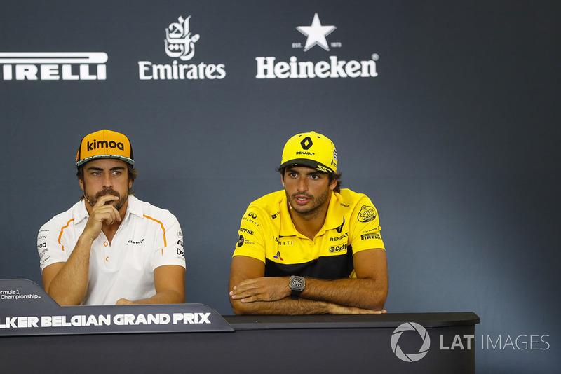 Fernando Alonso, McLaren, y Carlos Sainz Jr., Renault Sport F1 Team, en rueda de prensa