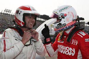 Tom Kristensen in gesprek met Sebastian Vettel
