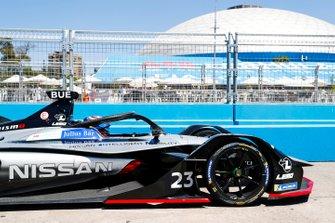 Sébastien Buemi, Nissan e.Dams, Nissan IMO1 in the pit lane