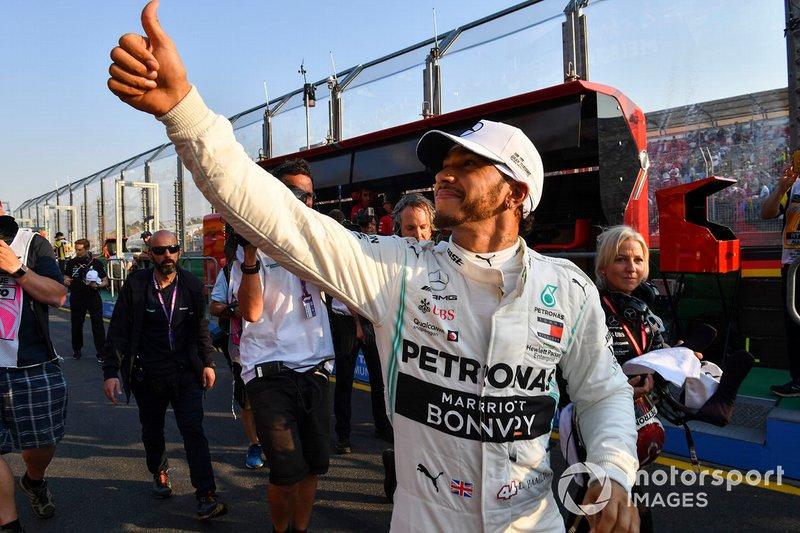 Pole Sitter Lewis Hamilton, Mercedes AMG F1 celebrates