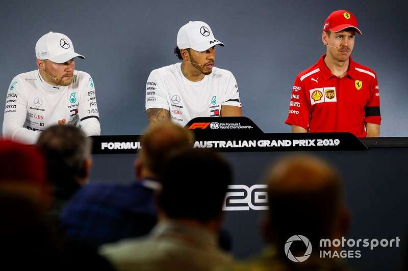 Valtteri Bottas, Mercedes AMG F1, Lewis Hamilton, Mercedes AMG F1 e Sebastian Vettel, Ferrari in Conferenza Stampa