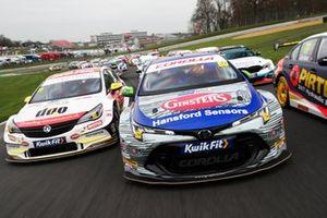 Jason Plato, Power Maxed Racing Vauxhall, Tom Ingram, Speedworks Motorsport Toyota Corolla and Andrew Jordan, WSR BMW