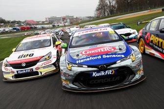 Jason Plato, Power Maxed Racing Vauxhall, Tom Ingram, Speedworks Motorsport Toyota Corolla and Andrew Jordan, WSR BMW