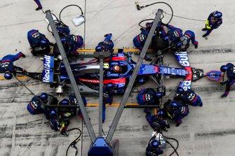 Алекс Албон (Toro Rosso STR14 Honda) на піт-стопі