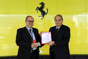 Amedeo Felisa, Ferrari CEO and Pietro Alidori with the AEO certificate