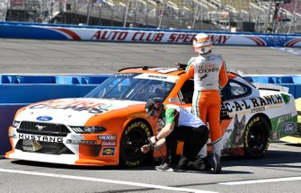 Chase Briscoe, Stewart-Haas Racing, Ford Mustang Nutri Chomps / C-A-L Ranch