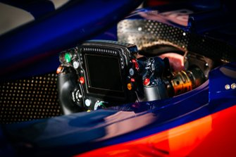 Le volant de la Toro Rosso STR14