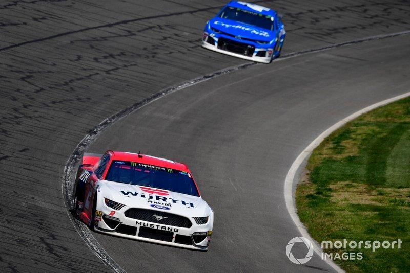 Brad Keselowski, Team Penske, Ford Mustang Wurth, Kyle Larson, Chip Ganassi Racing, Chevrolet Camaro Credit One Bank