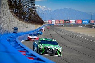 Kyle Busch, Joe Gibbs Racing, Toyota Camry Interstate Batteries, Joey Logano, Team Penske, Ford Mustang AAA Southern California