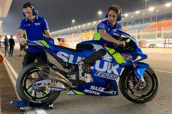 Dettaglio dello scarico di una Suzuki MotoGP