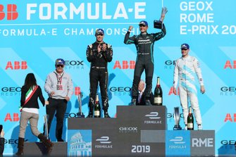 Mitch Evans, Panasonic Jaguar Racing, 1st position, Andre Lotterer, DS TECHEETAH, 2nd position, Stoffel Vandoorne, HWA Racelab, 3rd position, on the podium