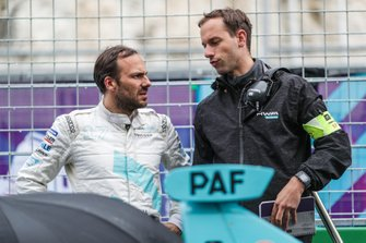Gary Paffett, HWA Racelab, with a team member