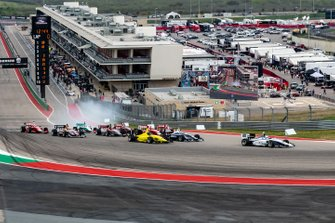 Oliver Askew, ANDRETTI AUTOSPORT leads at the start of the race