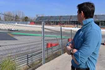 Toto Wolff, Mercedes AMG F1 Director of Motorsport watches Lewis Hamilton, Mercedes-AMG F1 W10