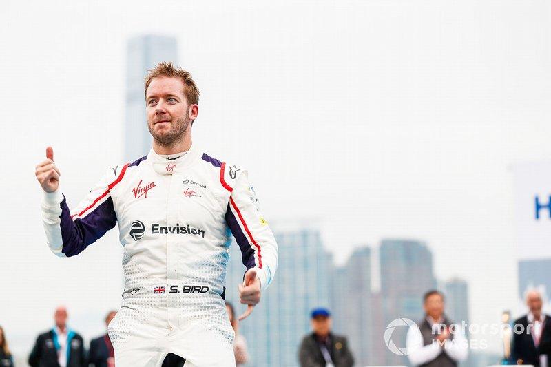 Race winner Sam Bird, Envision Virgin Racing approaches the podium