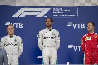 Second place Valtteri Bottas, Mercedes AMG F1 and Race winner Lewis Hamilton, Mercedes AMG F1 celebrate on the podium