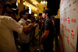Pietro Fittipaldi, Haas piloto de desarrollo, habla con los medios