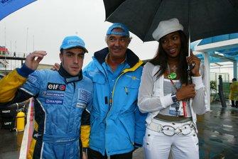 Fernando Alonso, Renault con el jefe de Renault Sport Flavio Briatore y la supermodelo Naomi Campbell