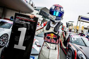 الفيصل الزُبير يفوز بالسباق الثالث في دبي