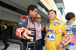 Hiroshi Yasukawa, Ex-Bridgestone Director of Motorsport, Aguri Suzuki and Satoru Nakajima at Legends F1 30th Anniversary Lap Demonstration