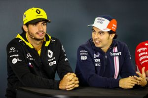 Sergio Perez, Force India, et Carlos Sainz Jr., Renault Sport F1 Team, lors de la conférence de presse