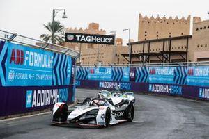 Antonio Fuoco, GEOX Dragon Racing reserve driver Oliver Turvey, NIO Formula E Team, NIO Sport 004