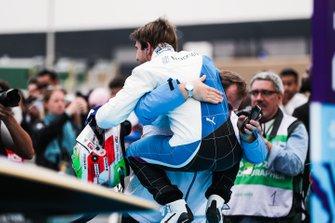 Antonio Felix da Costa, BMW I Andretti Motorsports celebrates victory with his team in parc ferme