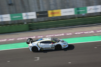 Lamborghini Huracan Super Trofeo Evo #66, VS Racing: Andrzej Lewandowski Piero Necchi