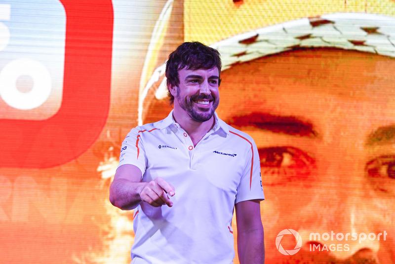 Fernando Alonso, McLaren se despide de los aficionados.