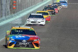 Kyle Busch, Joe Gibbs Racing, Toyota Camry M&M's, Brad Keselowski, Team Penske, Ford Fusion Discount Tire, Joey Logano, Team Penske, Ford Fusion Shell Pennzoil