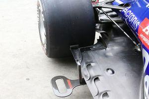 Scuderia Toro Rosso STR13 floor detail
