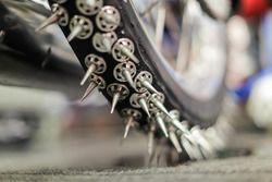 Шипы на мотоцикле для ледового спидвея