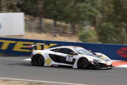 #1 Tekno Autosports / McLaren GT, McLaren 650s GT3: Alvaro Parente, Rob Bell, Co?me Ledogar