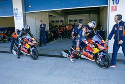 Niccolo Antonelli, Red Bull KTM Ajo, Bo Bendsneyder, Red Bull KTM Ajo