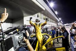 Ganador de la carrera Gabriele Tarquini, LADA Sport Rosneft, Lada Vesta